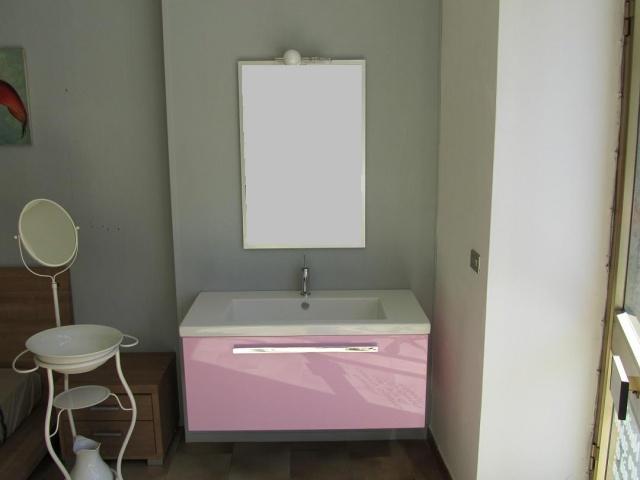 Vetrina luminosa il primo portale che ti permette di for Arredo bagno pinerolo